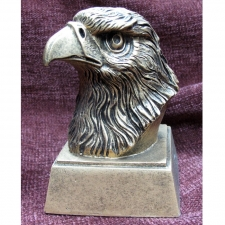 eagle-head-trophy